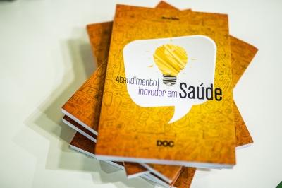 Livro Atendimento inovador em Saúde. Foto de Juan Cogo